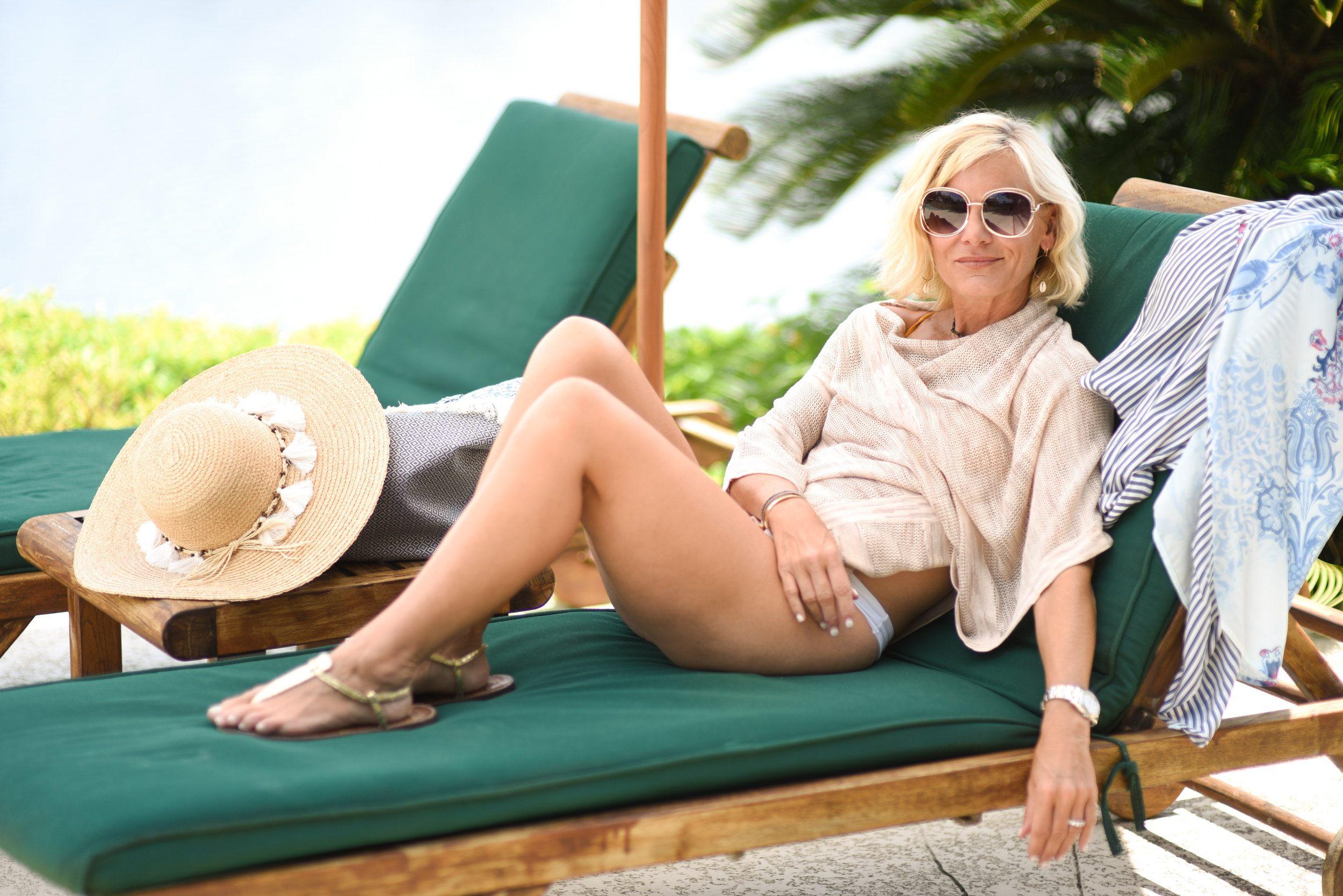 luxury travel mom travel capsule wardrobe